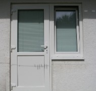 Vhodna vrata + okno